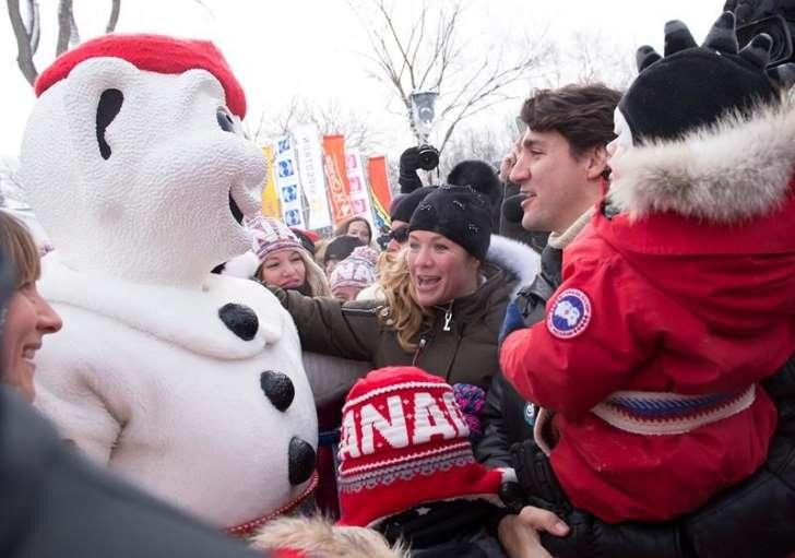 Le premier ministre Justin Trudeau et sa famille ont bravé le froid samedi pour participer aux festivités du Carnaval de Québec.