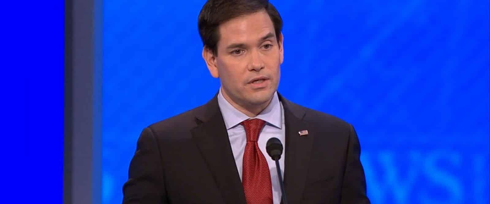 Bug : Marco Rubio répète 3 fois la même chose lors du débat du New Hampshire