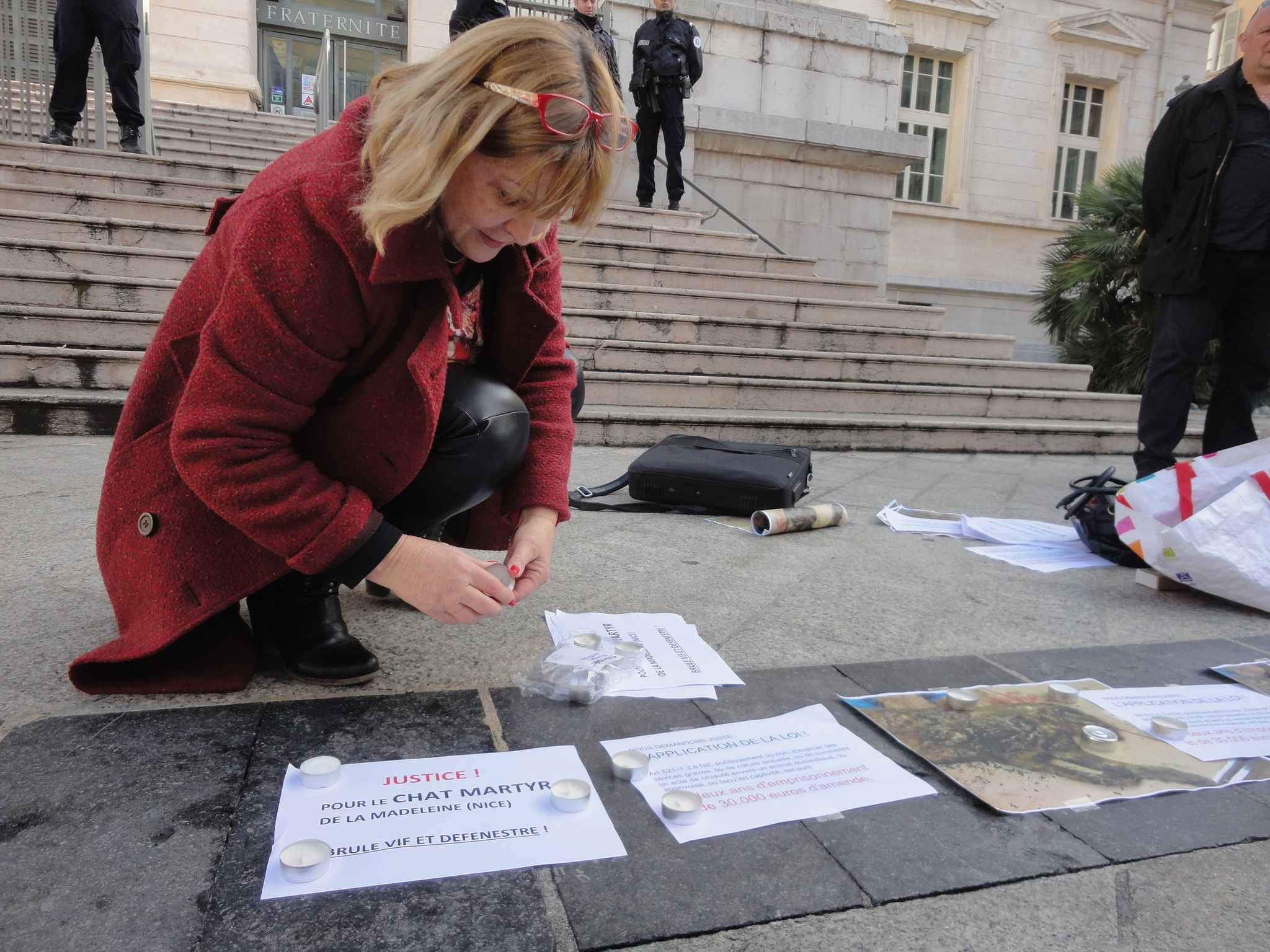 Mobilisation de militants devant le Palais de justice de Nice