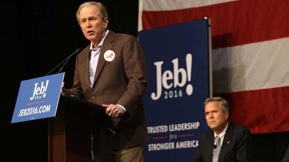 George W. Bush et Jeb Bush. Photo AFP