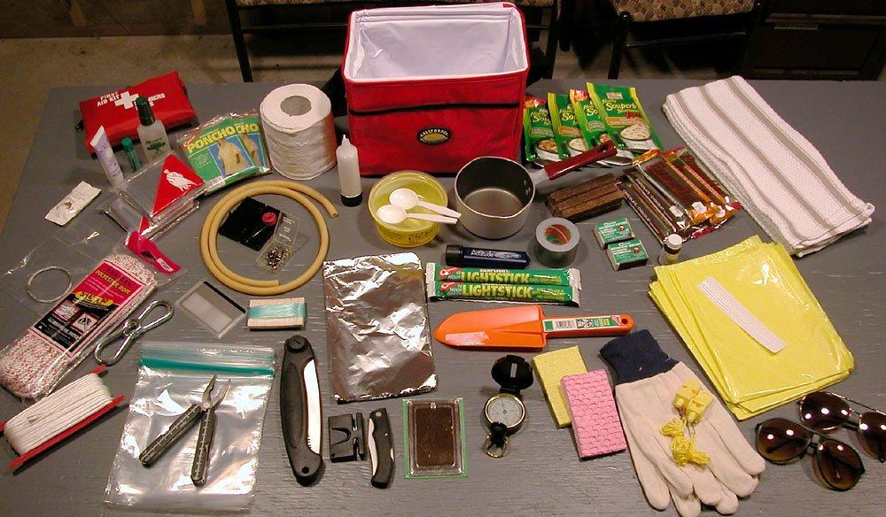 Plusieurs enseignes proposent  un kit de première nécessité