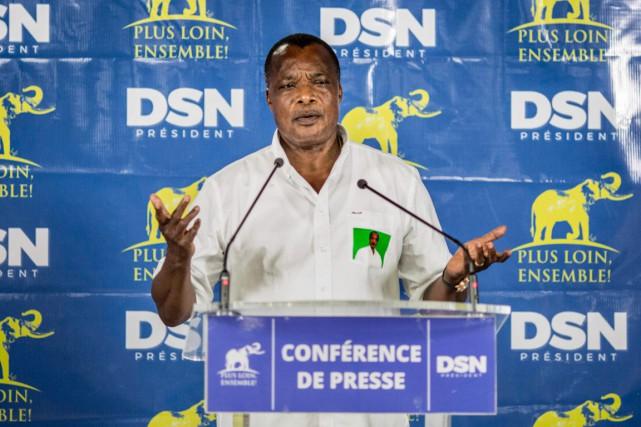 Denis Sassou Nguesso parlant à la presse à son siège de campagne peu après l'annonce des résultats. Photo AFP