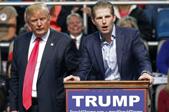 Donald Trump et son fils Eric Trump. Photo AP