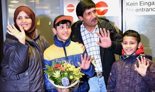 La famille Rabani au complet à l'aéoroport de Hanovre