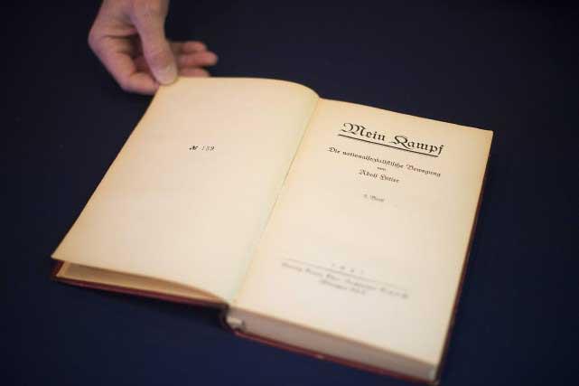 Hitler avait gardé cet exemplaire pour son usage personnel, ou comme un cadeau potentiel pour un admirateur. Photo AFP