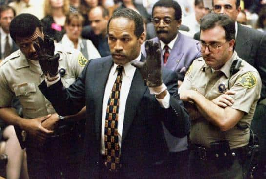 O.J. Simpson (photographié en 1995) a été inculpé de double meurtre en 1994, après l'assassinat de Nicole Brown Simpson et de Ron Goldman, mais il a été acquitté en 1995 - Photo Reuters