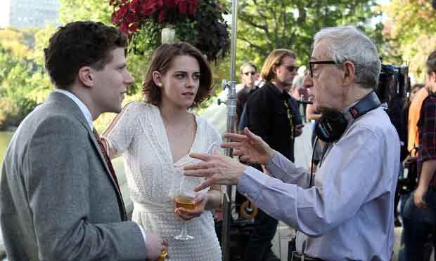 Woody-Allen-avec-Kristen-Stewart-et-Jesse-Eisenberg
