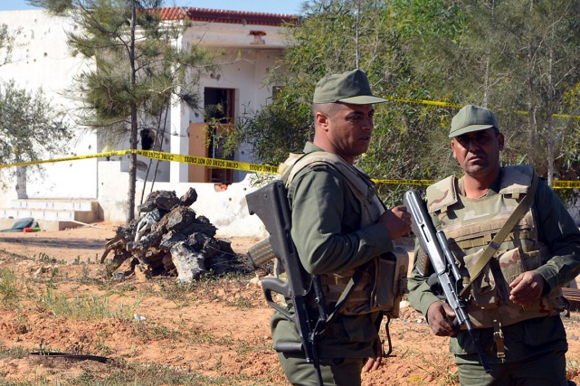 Des unités de l'armée se sont déployées dans la ville de Ben Guerdane et ont sécurisé ses accès. Photo AFP
