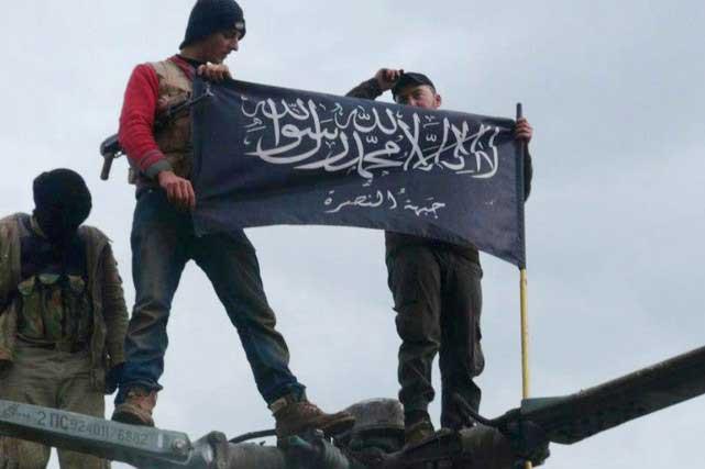 e Front al-Nosra va lancer une offensive en Syrie», a affirmé mardi à l'AFP via Skype un commandant de ce groupe sur le terrain. PHOTO ARCHIVES AP
