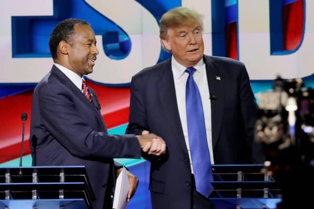 Ben Carson et Donald Trump lors d'un débat à Houston, le 25 février.