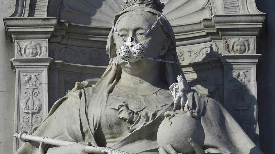 La reine Victoria étouffe