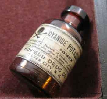cyanure-1