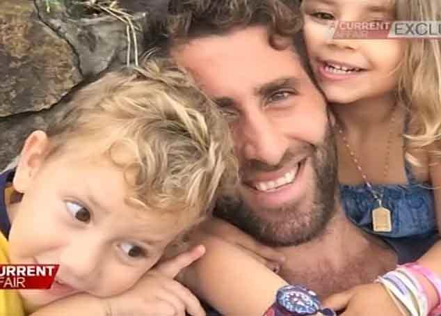 Le père avec ses enfants