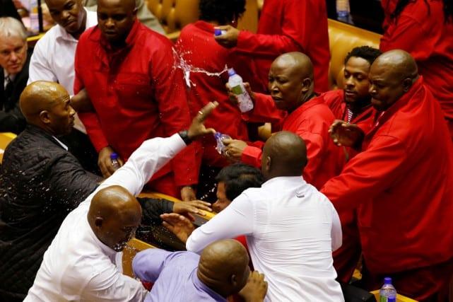 Bagarre au Parlement sud-africain