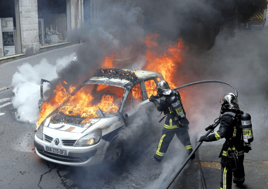 voiture police feu