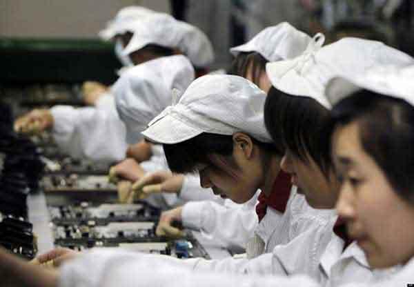Un patron chinois fouette les employés pas assez performants