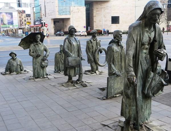Le monument d'un passant anonyme