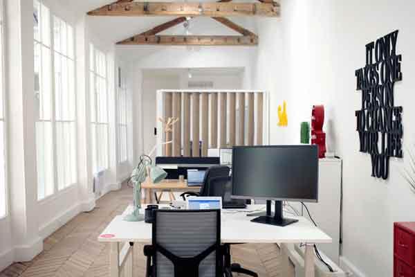 quand une inspection surprise de l 39 mir de duba tourne au fiasco. Black Bedroom Furniture Sets. Home Design Ideas