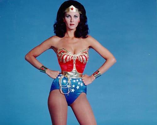 Lynda Carter dans le rôle de Wonder Woman