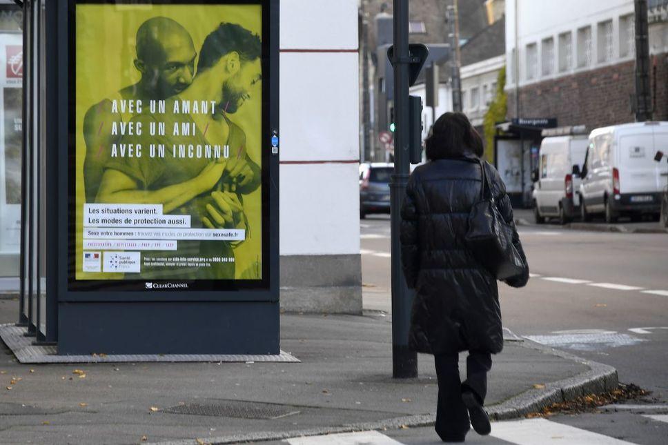 L''une des affiches de la campagne gouvernementale de prévention contre le sida. Photo AFP
