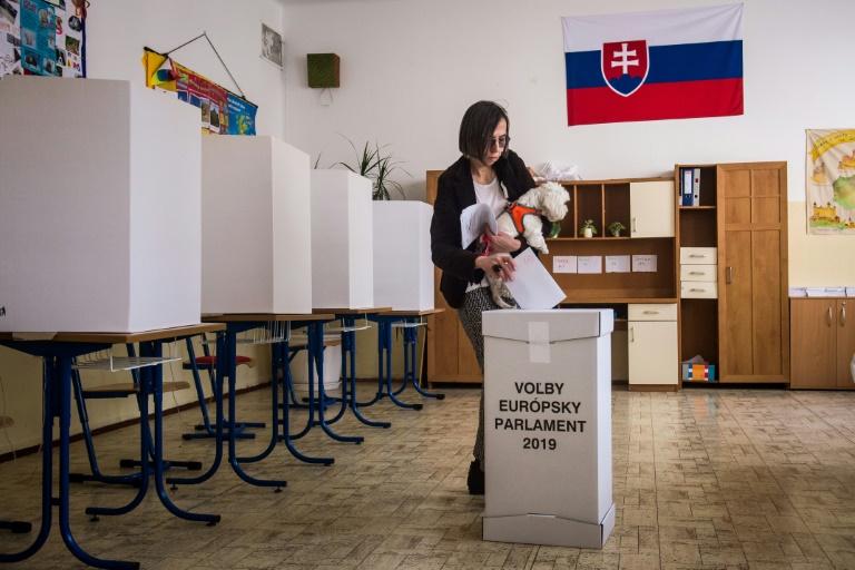 Bureau de vote pour les élections européennes à Bratislava, le 25 mai 2019