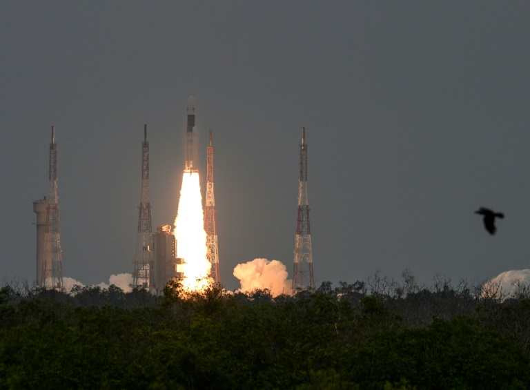 Décollage de la mission lunaire Chandrayaan-2depuis le centre spatial Satish Dhawan, le 22 juillet 2019 à Sriharikota, dans le sud-est de l'Inde