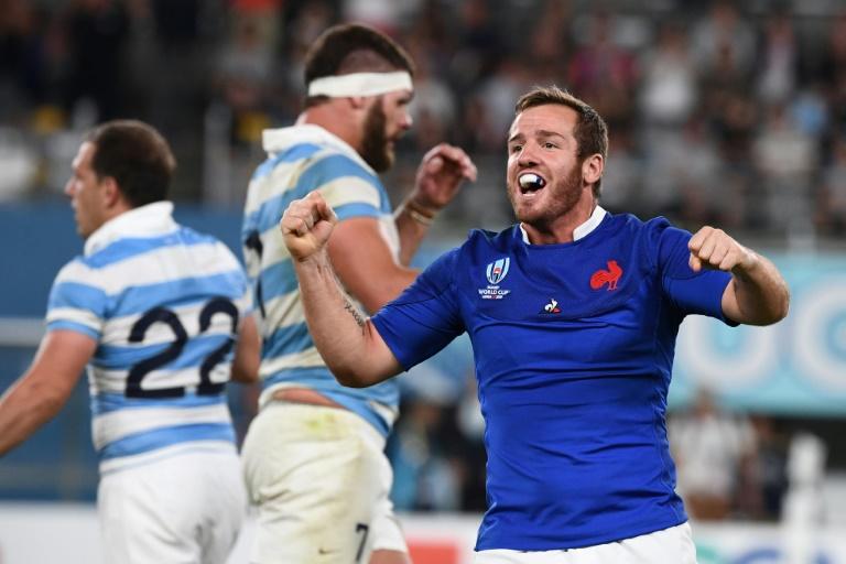 La joie du demi d'ouverture Camille Lopez après la victoire du XV de France face à l'Argentine au Mondial, le 21 septembre 2019 à Tokyo