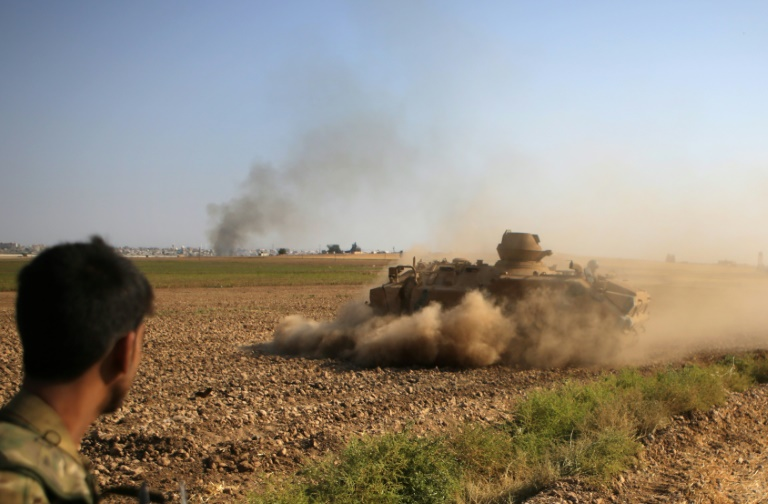 Un combattant syrien proturc à Tal Abyad au nord de la Syrie, le 13 octobre 2019
