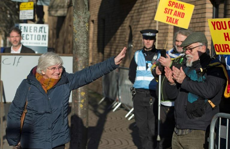 L'indépendantiste catalane Clara Ponsati, recherchée par la justice espagnole, s'est rendue à la justice britannique à Edimbourg le 14 novembre 2019