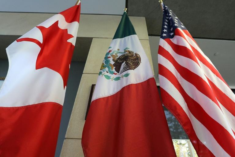Les drapeaux canadien, mexicain et américain à Ottawa le 24 septembre 2017