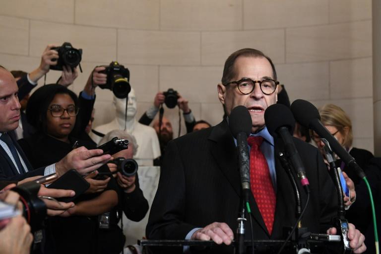 Le président de la commission judiciaire de la Chambre des représentants, Jerry Nadler, parle à la presse après un vote préliminaire sur les articles de mise en accusation de Donald Trump le 13 décembre 2019