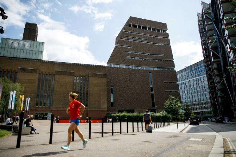 Un jeune de dix ans a jeté un enfant de 6 ans, du haut de la Tate Modern à Londres, le blessant grièvement