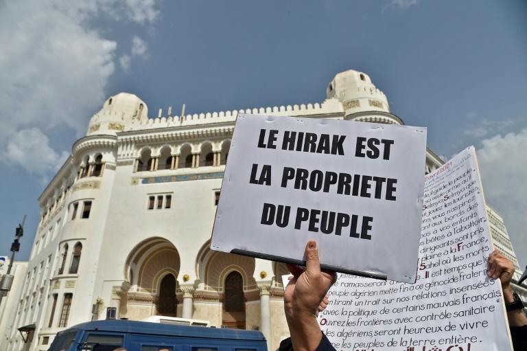Dans une manifestation à Alger, le 2 avril 2021