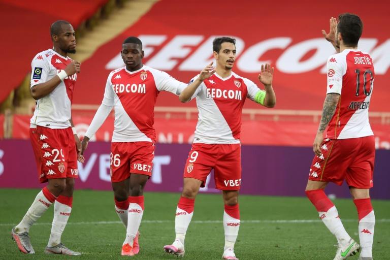 Le capitaine et attaquant de Monaco, Wissam Ben Yedder, célèbre son but avec ses coéquipiers, lors du match de L1 à domicile contre Dijon, le 11 avril 2021 au stade Louis II