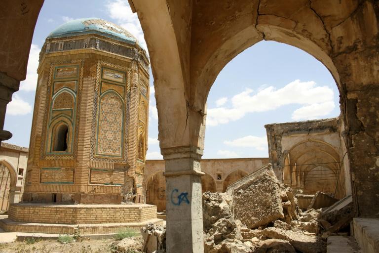 Une photo prise le 8 mai 2021 montrant l'ancienne citadelle de la ville de Kirkouk, dans le nord de l'Irak, un pays meurtri par des années de conflit où les nombreuses reliques du patrimoine chrétien chrétien, islamique et mésopotamien disparaissent dans l'indifférence