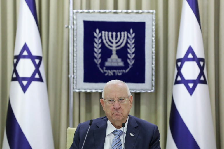Le président israélien Reuven Rivlin, le 5 avril 2021, dans les locaux de la présidence à Jérusalem