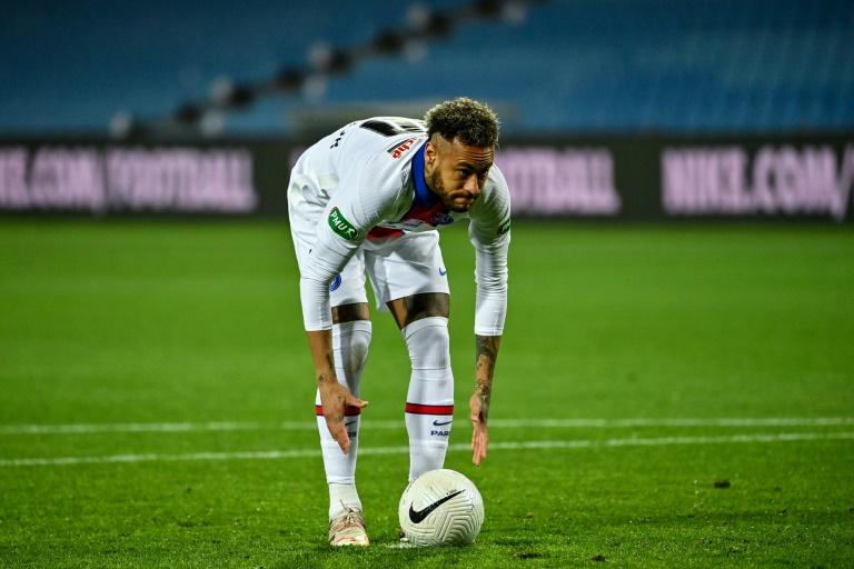 L'attaquant vedette du PSG Neymar contre Montpellier en demi-finale de la Coupe de France à La Mosson, le 12 mai 2021