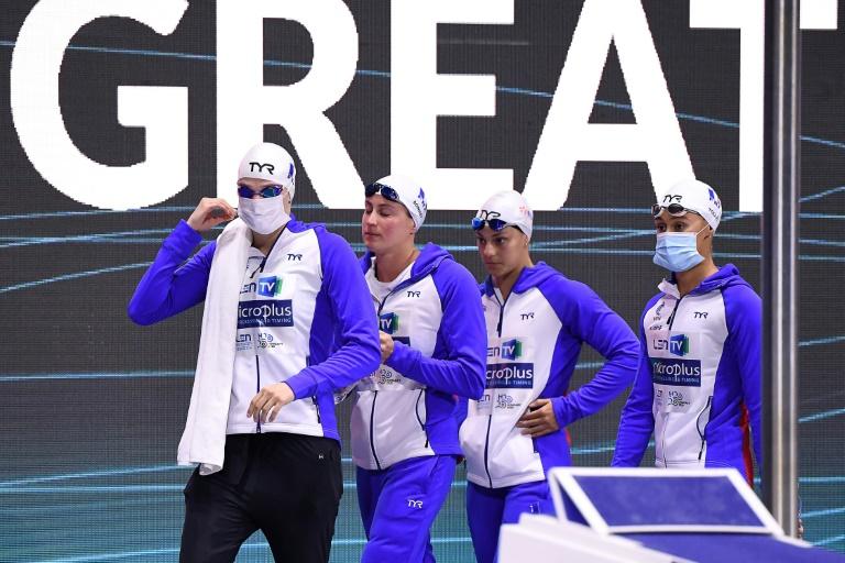 Le relais français composé de Marie Wattel, Charlotte Bonnet, Anouchka Martin et Assia Touati, médaillé de bronze sur 4x100 m libre à l'Euro de natation de Budapest, le 17 mai 2021