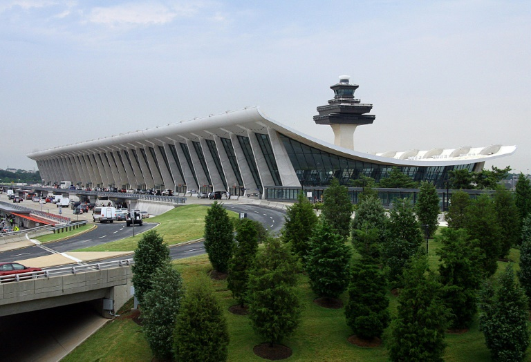 Le principal terminal de l'aéroport international Dulles de Washington le 15 juin 2008