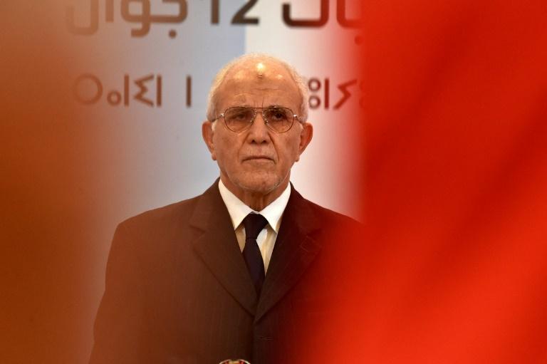 Le président de l'Autorité nationale indépendante des élections, Mohamed Chorfi, annonce les résultats des élections législatives remportées par le Front de libération nationale, à Alger le 15 juin 2021