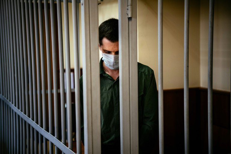 L'Américain Trevor Reed, condamné pour avoir agressé des policiers en Russie, ici lors d'une audience judiciaire à Moscou en juillet 2020