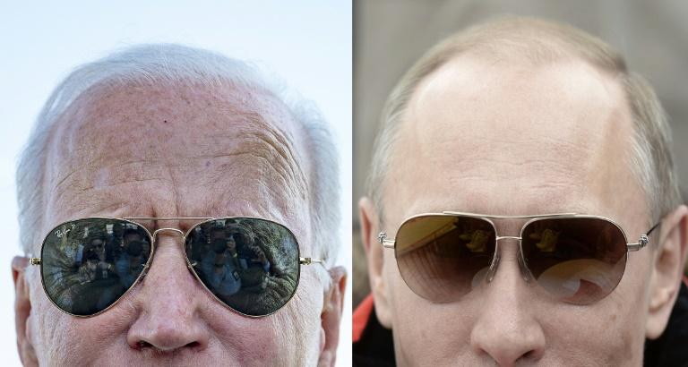 Le président américain Joe Biden (à gauche) en mai 2021 à Washington, et son homologue russe Vladimir Poutine en mars 2014 aux Jeux paralympiques d'hiver de Sotchi