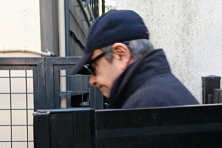 Carlos Ghosn sort de sa résidence, le 8 mars 2019 à Tokyo
