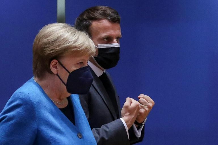 La chancelière allemande Angela Merkel avec le président français Emmanuel Macron le 24 mai 2021 à un sommet européen à Bruxelles