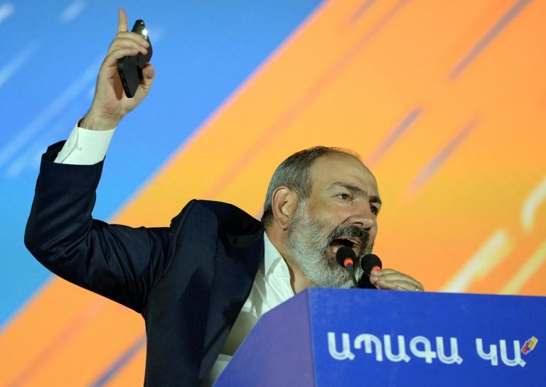 Le Premier ministre arménien Nikol Pachinian lors d'un discours de campagne à Erevan, le 17 juin 2021