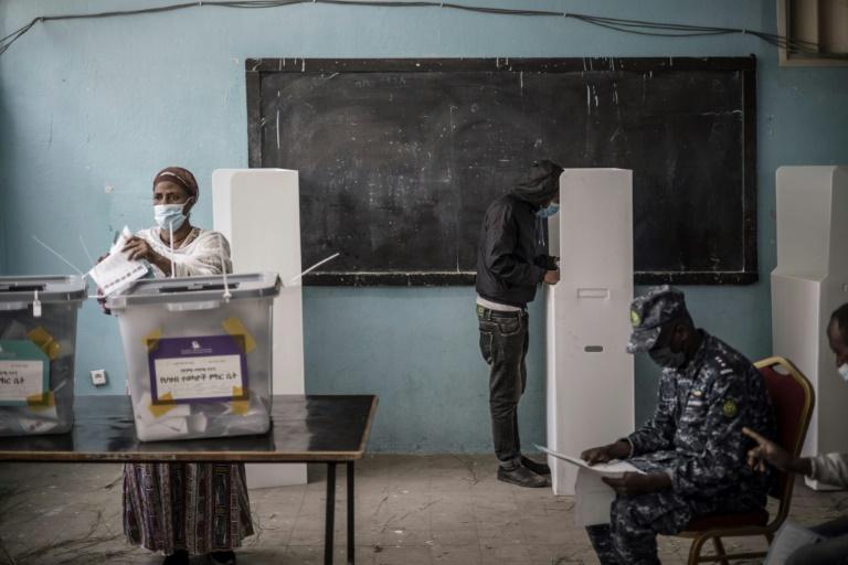 Opération de vote à Addis Abeba, le 21 juin 2021