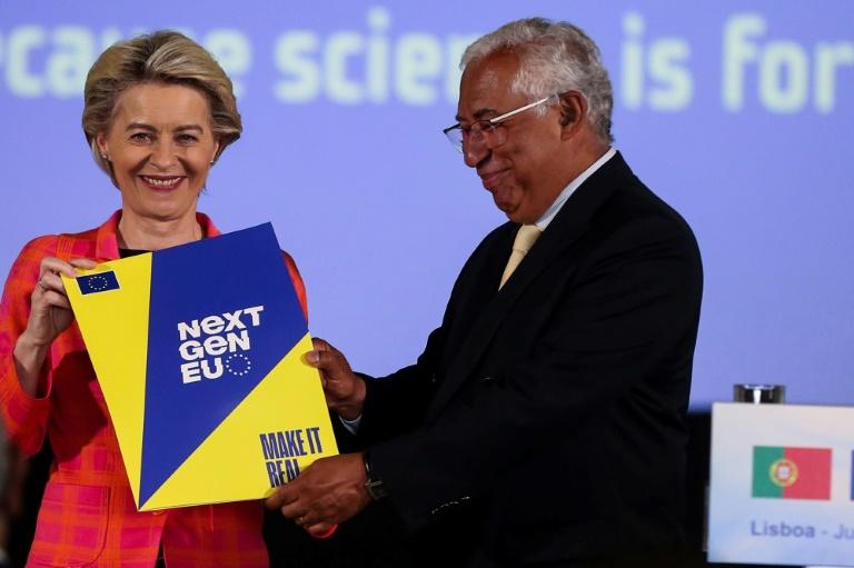 Le Premier ministre portugais, Antonio Costa et la présidente de la Commission européenne Ursula von der Leyen, lors d'une conférence de presse à Lisbonne, le 16 juin 2021