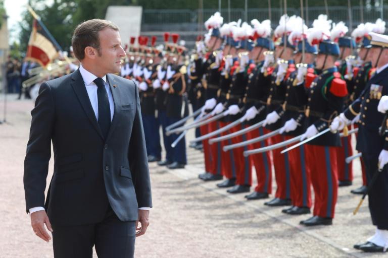 Emmanuel Macron commémore le 18 juin 1940 au Mont Valérien à Suresnes en 2020