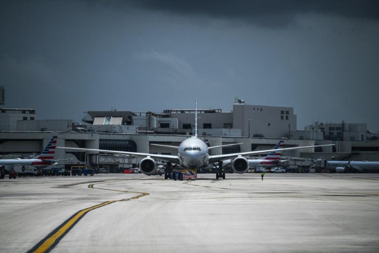 Un avion d'American Airlianes le 16 juin 2021 à l'aéroport international de Miami