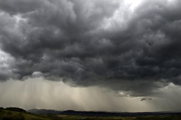 Vingt-huit départements en vigilance orange dimanche en raison d'un risque d'orages